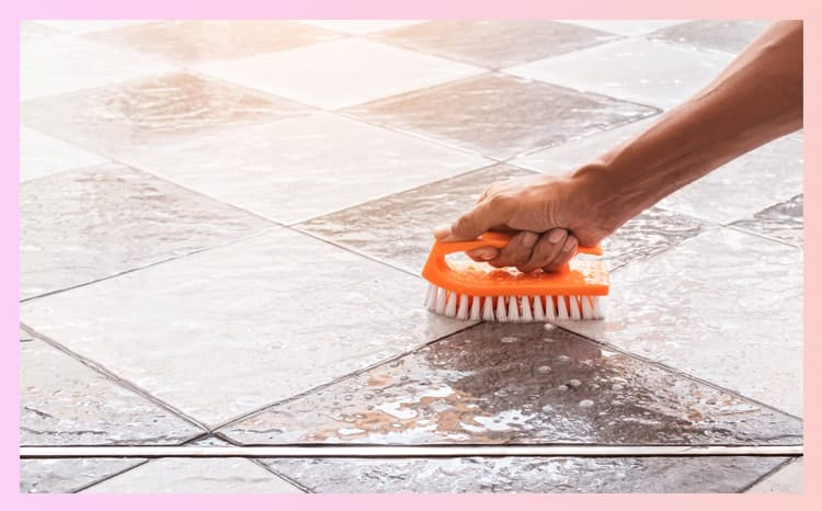 Grout-Cleaning Vinegar Solution